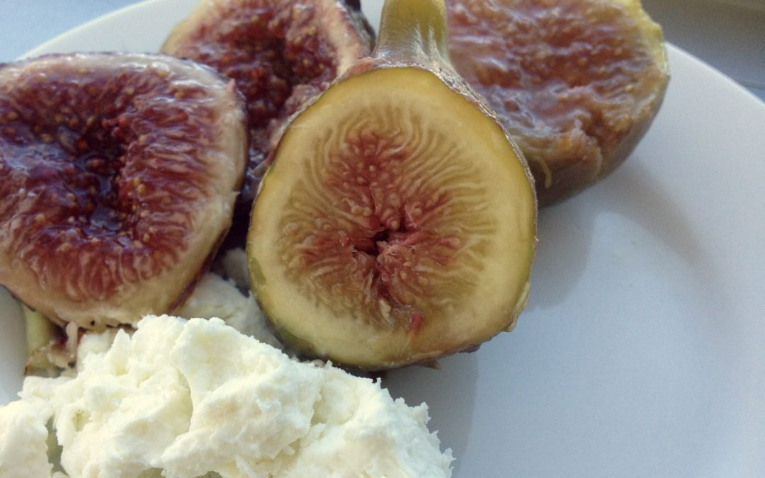 Fresh Figs and Goat Cheese: A Decadent, Healthy Dessert